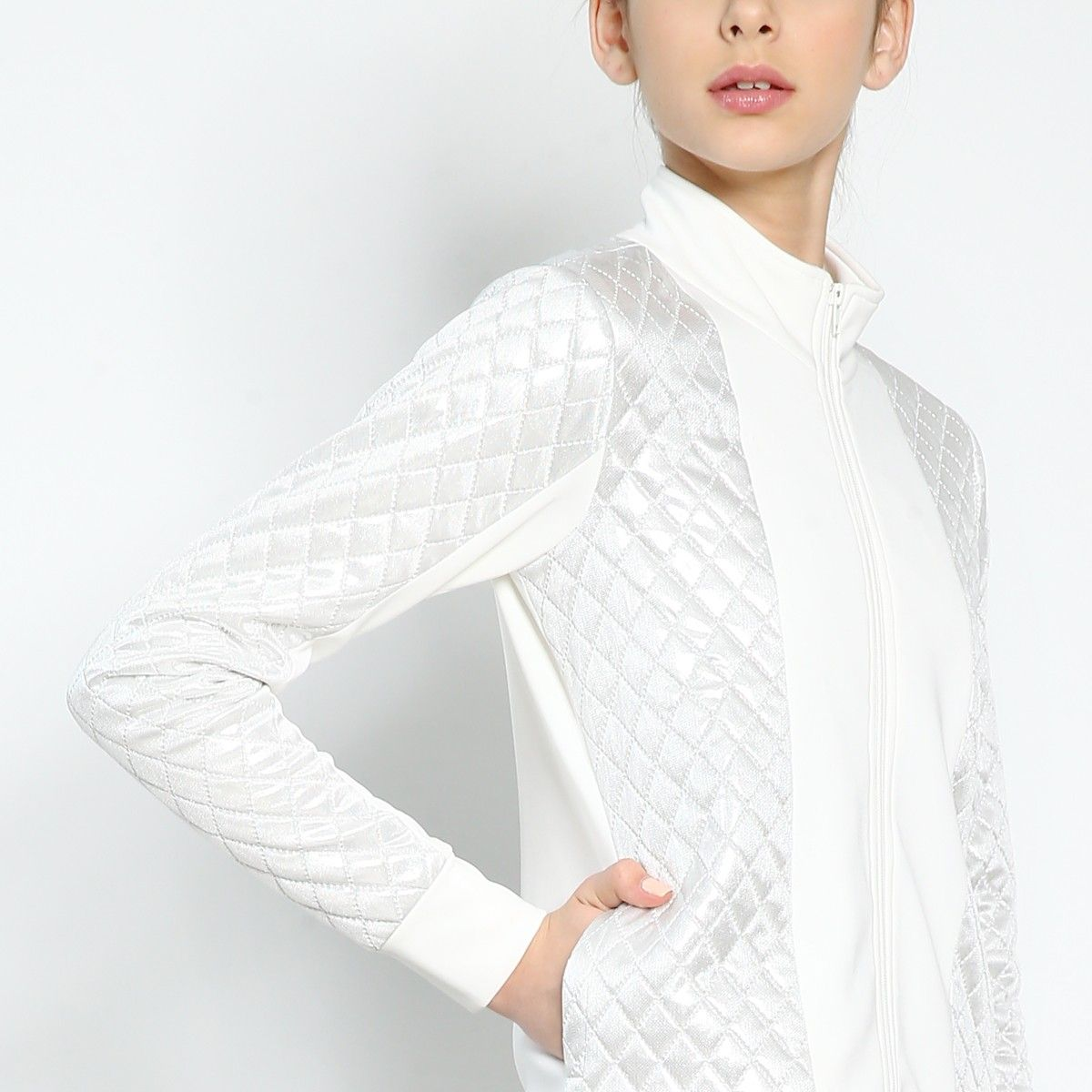 .Pearl Aura jacket